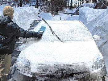 車窓雪解け器「溶かしたろう」.jpg